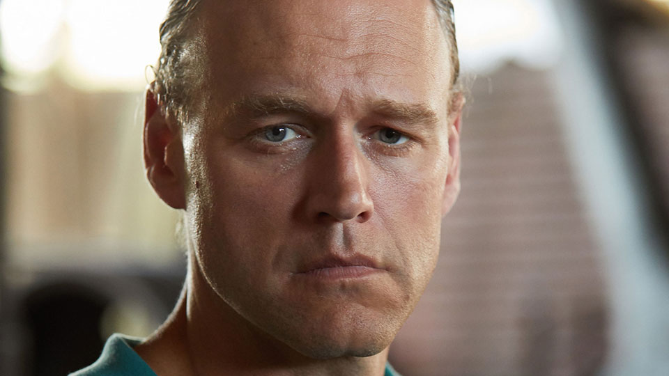 Elliot Cowan - Death in Paradise