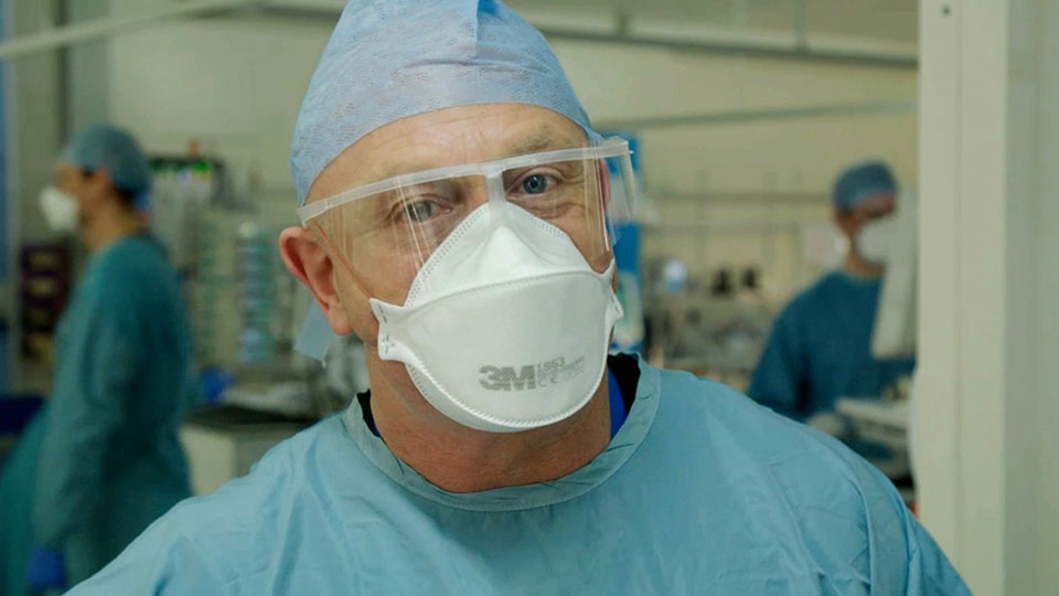 Ross Kemp: On the NHS Frontline