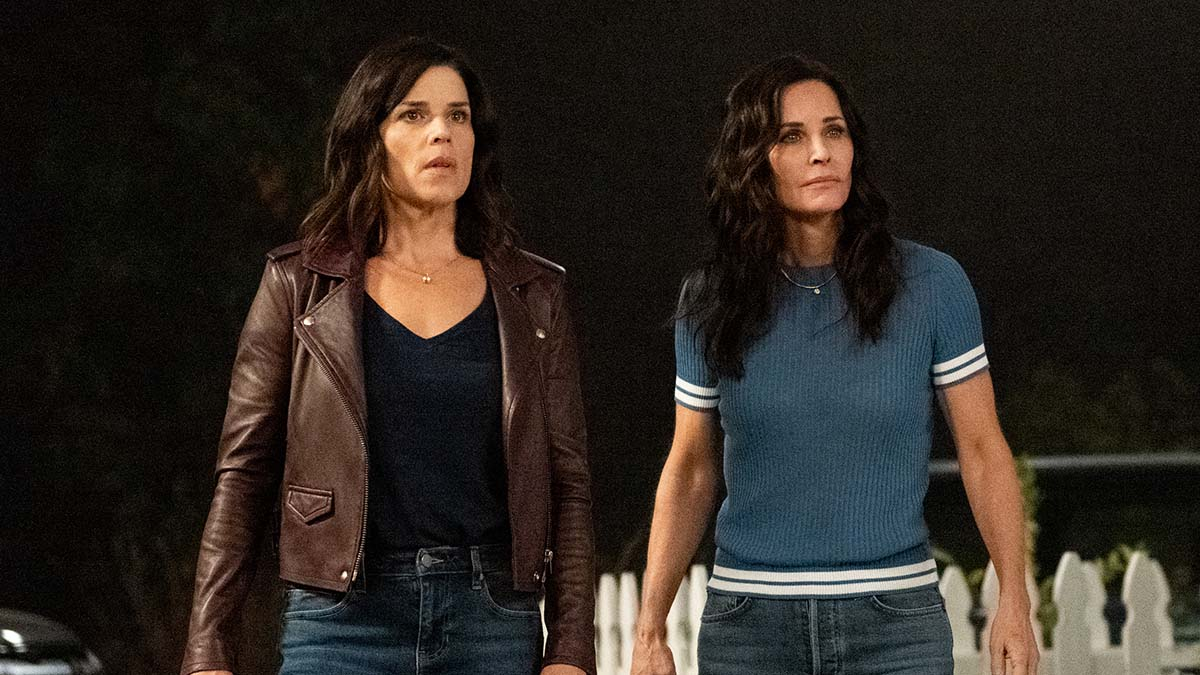 Scream - Neve Campbell and Courteney Cox